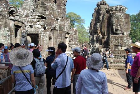 Angkor Thom Bayon Tourists